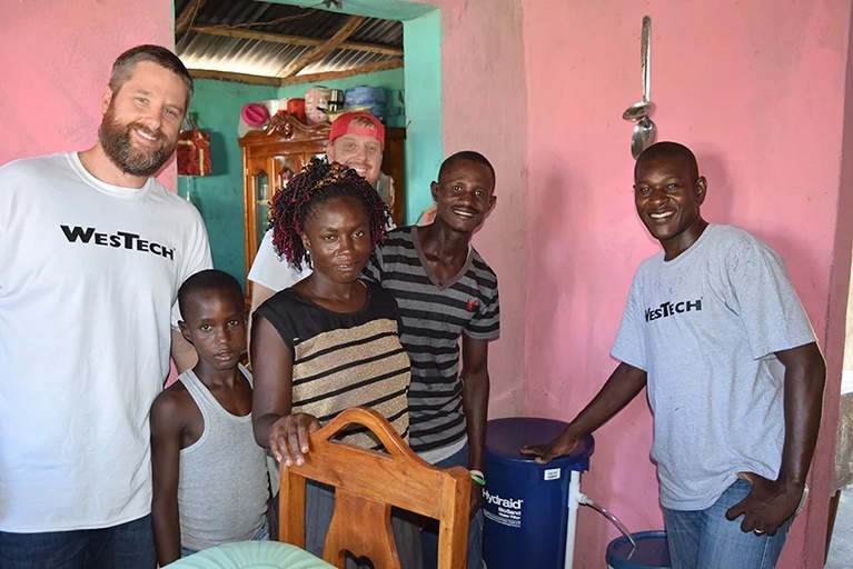 Portable Water Filter Hydraid In Haiti