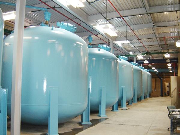 Pressure filter installation